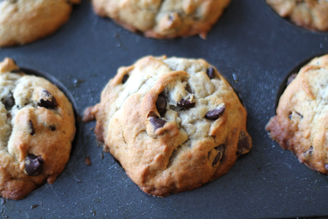 Banana Chocolate Chip Muffins | thedomesticblonde.com