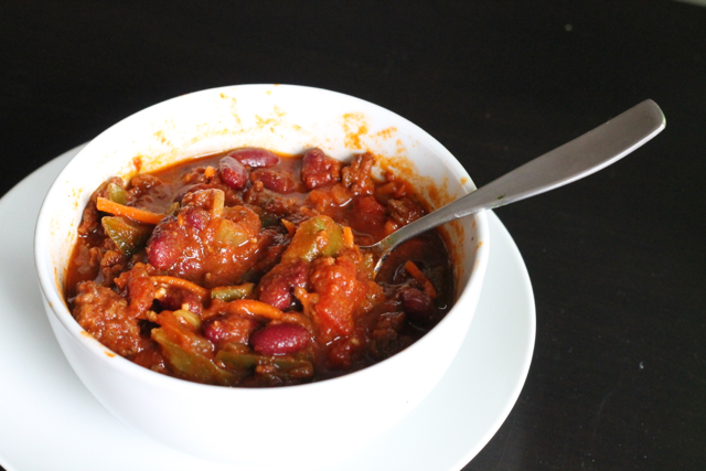 Slow Cookier Beef Chili | thedomesticblonde.com