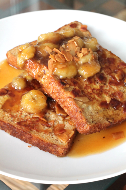 Bourbon Banana French Toast | thedomesticblonde.com
