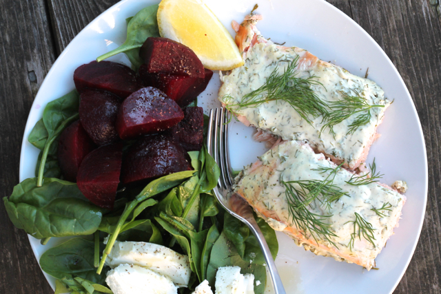 Creamy Dill Baked Salmon | thedomesticblonde.com