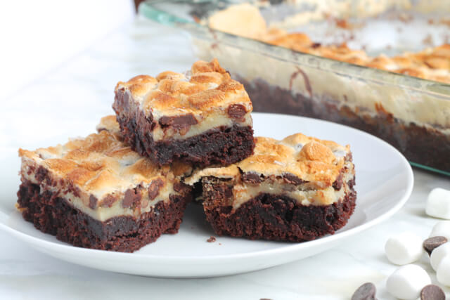Rocky Road Brownies | thedomesticblonde.com