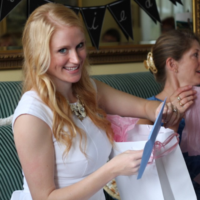 And today - sharing photos from my Halifax bridal shower! 👰💍