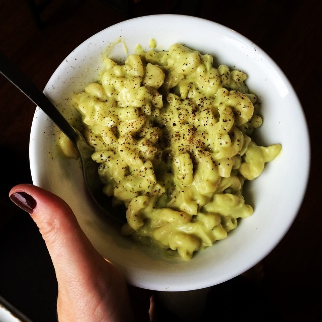 15-minute avocado mac & cheese, coming soon to a blog near you. 🍴