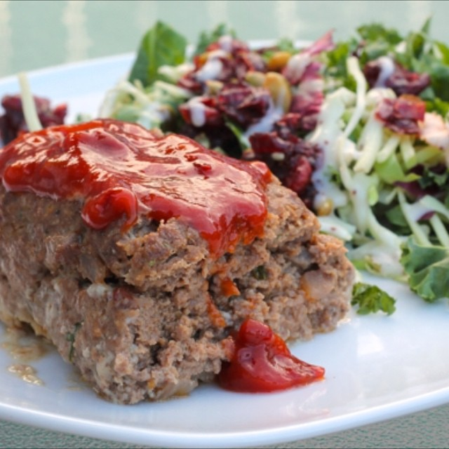 Favouritest meatloaf in the history of meatloaf (hint: it's Mexican) on the blog last week too! 🍴